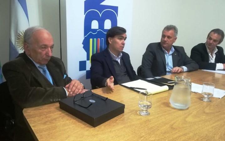 VISITA DEL MINISTRO DE LA PRODUCCION DE LA PCIA. DE BUENOS AIRES JAVIER TIZADO y DEL JEFE DE GABINETE ENRIQUE CANEPA A UIPBA